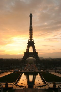 http://commons.wikimedia.org/wiki/File:Tour_eiffel_at_sunrise_from_the_trocadero.jpg