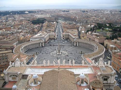 http://commons.wikimedia.org/wiki/Image:Saint_Peter%27s_Square_from_the_dome.jpg