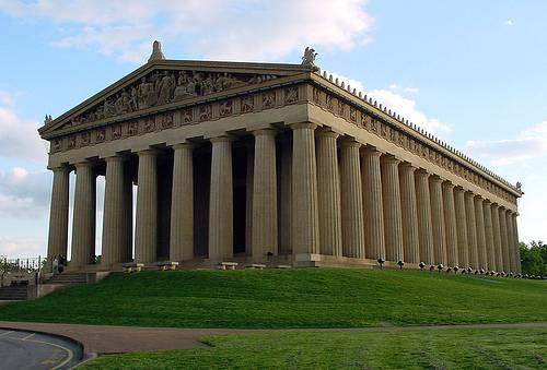http://commons.wikimedia.org/wiki/Image:Parthenonnashville1.jpg