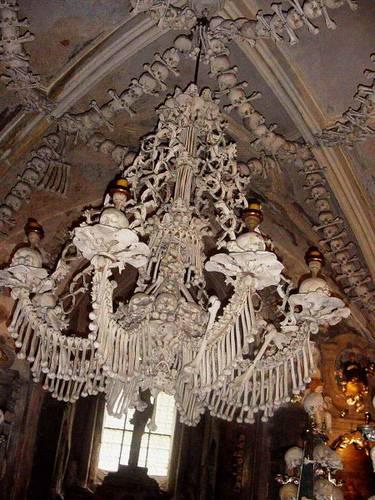 http://commons.wikimedia.org/wiki/Image:Sedlec-Ossuary.jpg