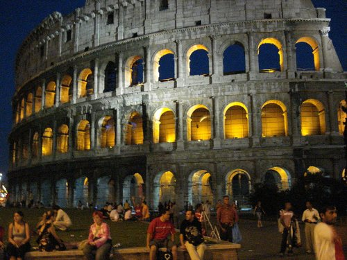 http://commons.wikimedia.org/wiki/File:Colosseo_at_night,_Rome.JPG