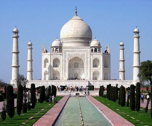 http://commons.wikimedia.org/wiki/File:Taj_Mahal_in_March_2004.jpg