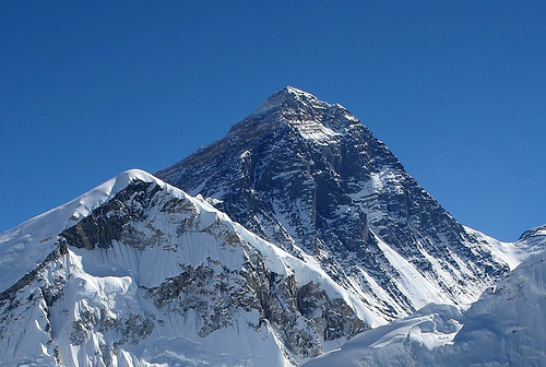 http://commons.wikimedia.org/wiki/Image:Everest_kalapatthar_crop.jpg