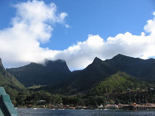 http://commons.wikimedia.org/wiki/Image:Archpielago_Juan_Fernandez_%28Vista_hacia_Robinson_Crusoe%29.jpg