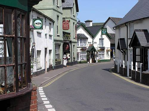 http://en.wikipedia.org/wiki/Image:Porlock.village.arp.750pix.jpg