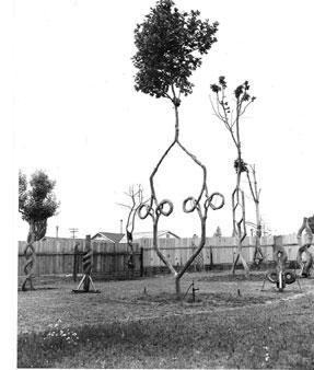 http://en.wikipedia.org/wiki/Image:Tree_Circus_Opening_day_1947.jpg