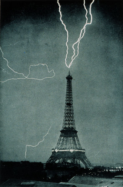http://commons.wikimedia.org/wiki/Image:Lightning_striking_the_Eiffel_Tower_-_NOAA.jpg