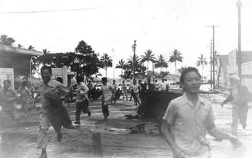 http://commons.wikimedia.org/wiki/Image:Tsunami_large.jpg