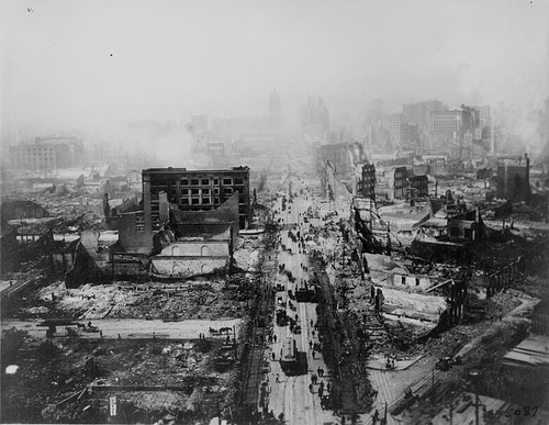 http://commons.wikimedia.org/wiki/Image:Sanfranciscoearthquake1906.jpg
