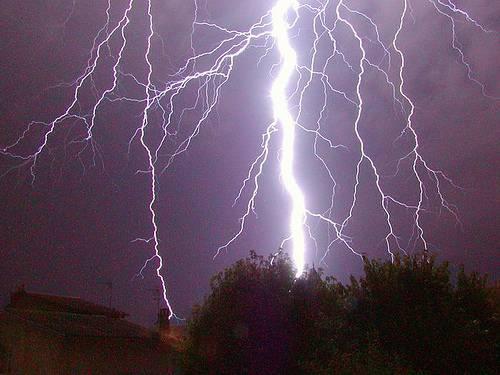 http://commons.wikimedia.org/wiki/Image:Lightning_02.jpg