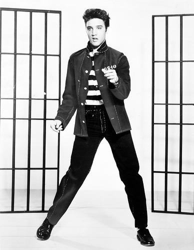 http://commons.wikimedia.org/wiki/Image:Elvis_presley.jpg