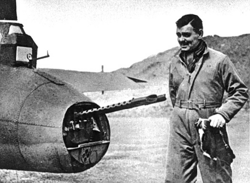 http://commons.wikimedia.org/wiki/Image:Clark_Gable_8th-AF-Britain1943.jpg