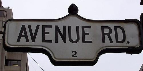 http://en.wikipedia.org/wiki/File:Avenue_Road_Sign.jpg
