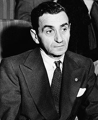 http://commons.wikimedia.org/wiki/File:Irving_Berlin_Portrait2.jpg