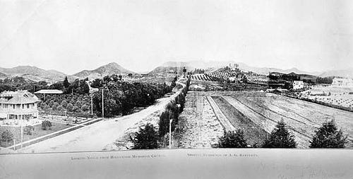 http://commons.wikimedia.org/wiki/File:Hollywood%26Vine-1907.jpg