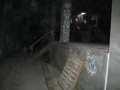 http://commons.wikimedia.org/wiki/File:Cincinnati_Subway_Entrance_01_2005_10_22.JPG