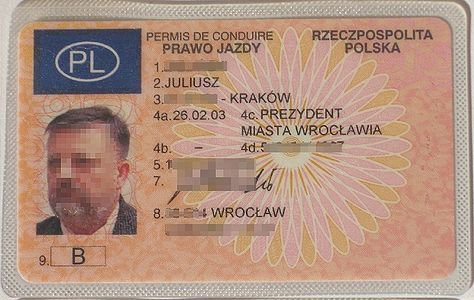 http://commons.wikimedia.org/wiki/File:Prawo_jazdy_katB.jpg