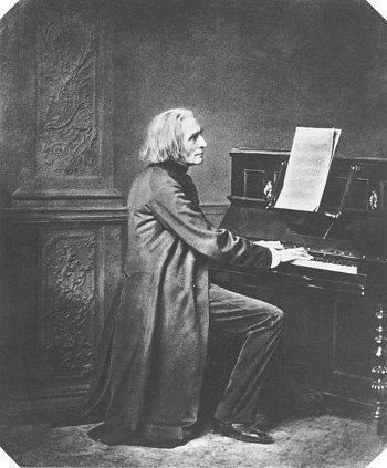 http://commons.wikimedia.org/wiki/File:Franz_Liszt_2.jpg