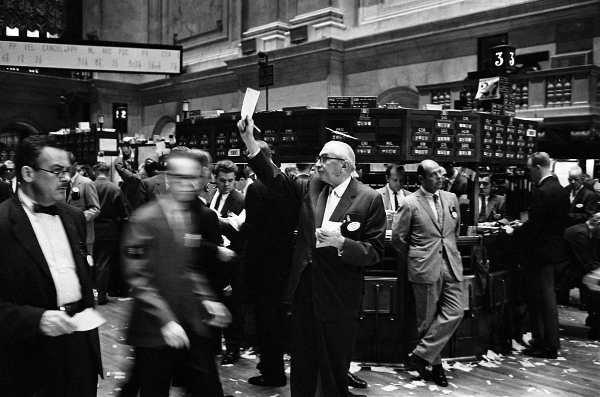 http://commons.wikimedia.org/wiki/File:NY_stock_exchange_traders_floor_LC-U9-10548-6.jpg