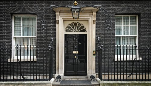 http://commons.wikimedia.org/wiki/File:2010_Official_Downing_Street_pic.jpg