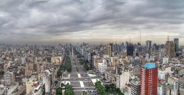http://commons.wikimedia.org/wiki/File:Buenos_Aires_-_Monserrat_-_Avenida_9_de_Julio.jpg