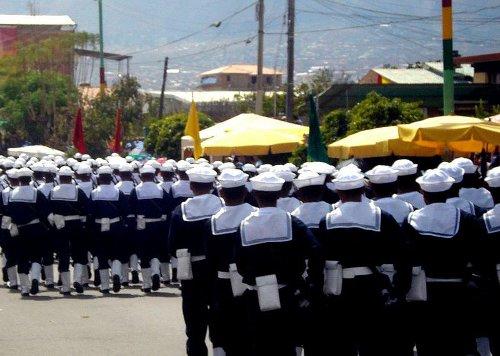 http://commons.wikimedia.org/wiki/File:Marines_de_Bolivia_desfilando.jpg