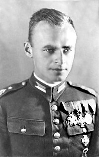 http://commons.wikimedia.org/wiki/File:Witold_Pilecki_1.JPG