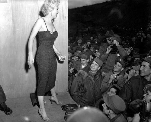 http://commons.wikimedia.org/wiki/File:Marilyn_Monroe.jpg