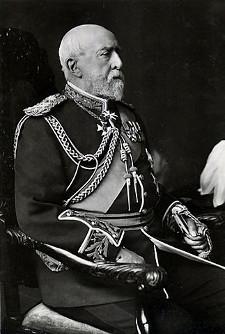 http://commons.wikimedia.org/wiki/File:Prince_Christian_of_Schleswig-Holstein.jpg