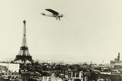 http://commons.wikimedia.org/wiki/File:Spirit_II_in_flight_over_Paris._Built_for_the_San_Diego_Aerospace_Museum._Burned_in_1978_n4.jpg