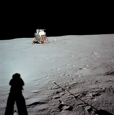 http://commons.wikimedia.org/wiki/File:Apollo_11_AS11-40-5961HR.jpg