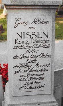 http://commons.wikimedia.org/wiki/File:Georg_Nicolaus_Nissens_gravsten.JPG