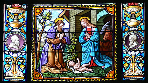 http://commons.wikimedia.org/wiki/File:Wuchzenhofen_Pfarrkirche_Chor_Fenster_rechts_3.jpg
