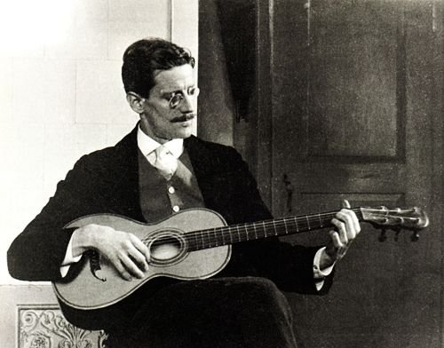 http://commons.wikimedia.org/wiki/File:James_Joyce_in_1915.jpg