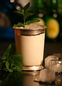 http://commons.wikimedia.org/wiki/File:Mint_Julep_im_Silberbecher.jpg