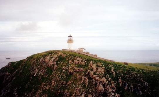 https://commons.wikimedia.org/wiki/File:The_lighthouse_on_Eilean_Mor.jpg