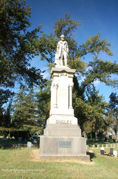 https://commons.wikimedia.org/wiki/File:Reuel_Colt_Gridley_Monument.jpg
