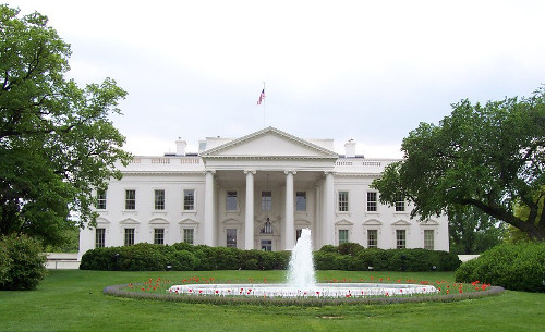 https://commons.wikimedia.org/wiki/File:White_House.jpg