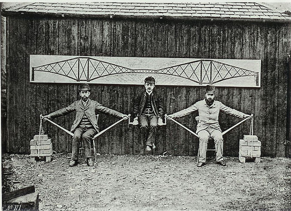 http://commons.wikimedia.org/wiki/File:Cantilever_bridge_human_model.jpg