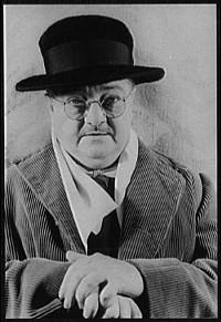 http://commons.wikimedia.org/wiki/File:Alexander_Woollcott_(1939).jpg