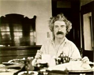 https://commons.wikimedia.org/wiki/File:Mark_Twain_at_breakfast,_1895.jpg