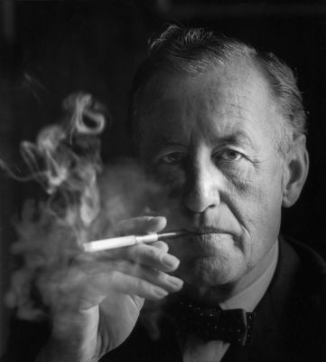 https://en.wikipedia.org/wiki/File:Ian_Fleming,_headshot.jpg