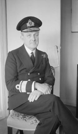 https://commons.wikimedia.org/wiki/File:Vice_Admiral_Godfrey_WWII_IWM_A_20777.jpg