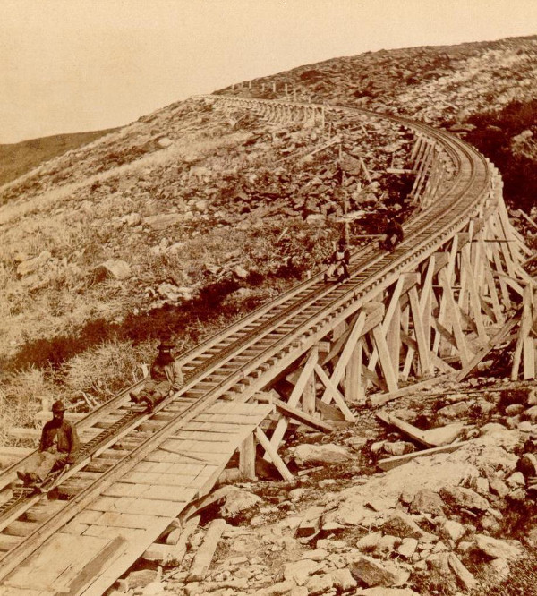 https://commons.wikimedia.org/wiki/File:Sliding,_Mt._Washington_Railway.jpg