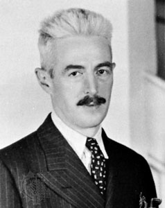 https://commons.wikimedia.org/wiki/File:Dashiellhammett.jpg