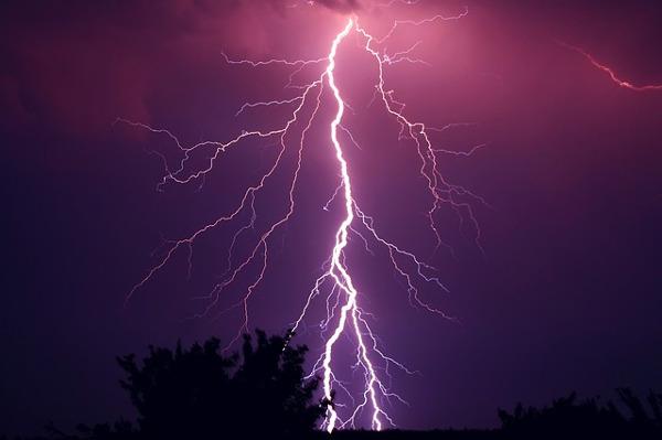 https://pixabay.com/en/thunder-thunderstorm-violet-purple-953118/
