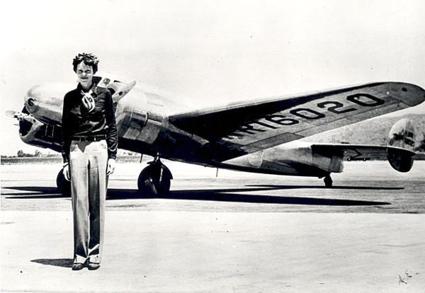 https://en.wikiquote.org/wiki/File:Amelia_Earhart_-_GPN-2002-000211.jpg