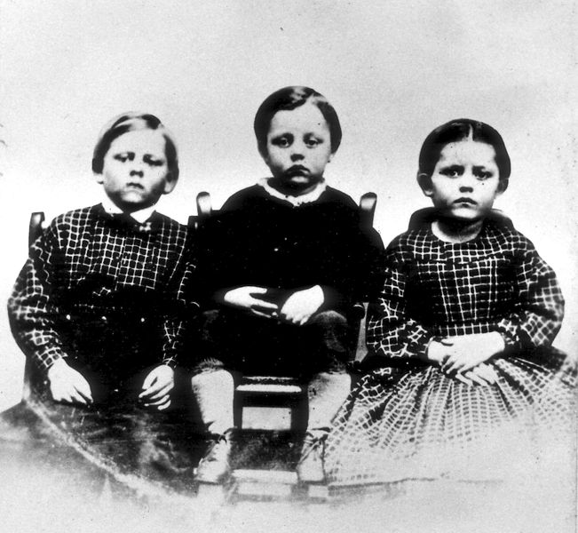 https://commons.wikimedia.org/wiki/File:Humiston_children.jpg