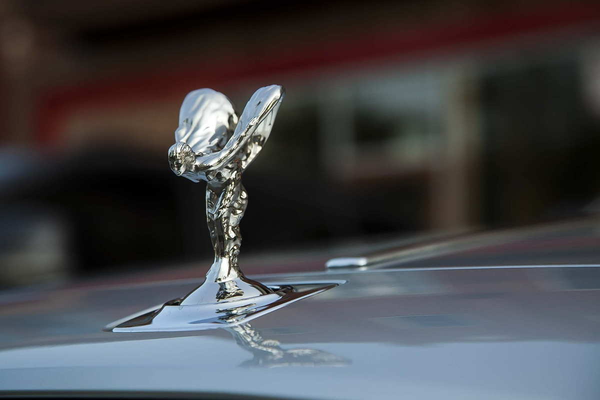 https://pixabay.com/en/rolls-royce-luxury-automobile-526055/
