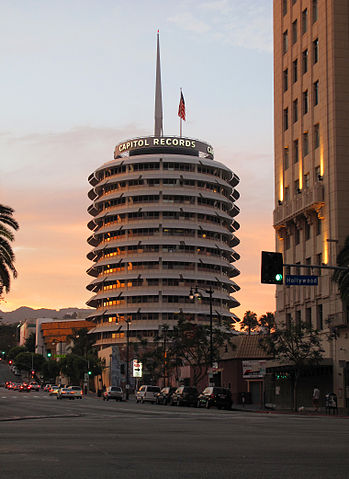 https://commons.wikimedia.org/wiki/File:Capitol_Records_sunset.jpg
